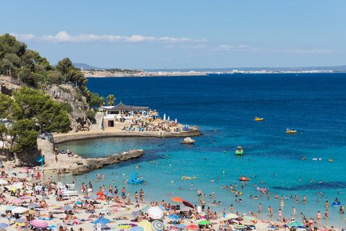Baleares, con 11,1 millones de turistas, fue la segunda comunidad autónoma que más viajeros recibió. #shu#