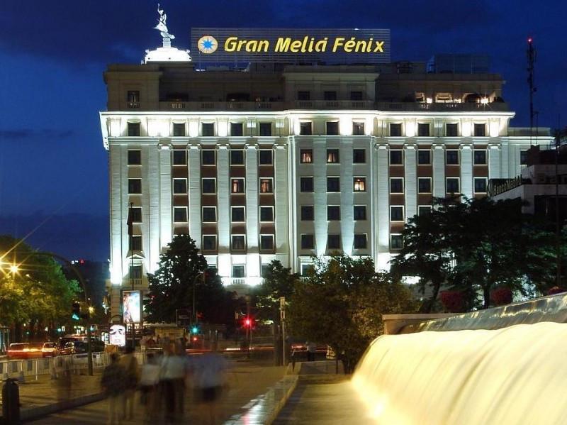 El Meliá Fénix es uno de los establecimientos que forman parte de Hoteles Históricos de España, junto con el NH Collection Palacio de Tepa y el Claris de Barcelona, entre otros.