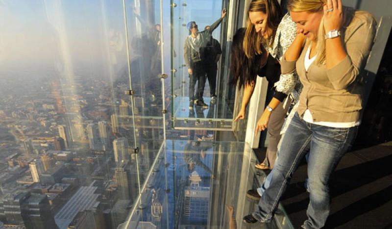 El mirador de cristal en la Torre Willis, Chicago.