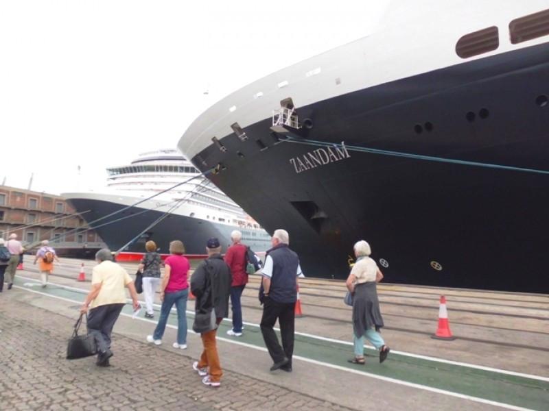 Una escala del Zaandam en Montevideo coincidirá con el lanzamiento de la temporada de cruceros.
