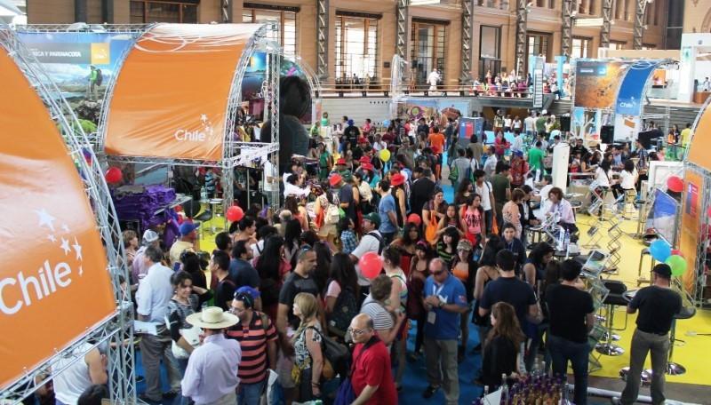 Feria VYVA 2014 en el centro de exposiciones de la Estación Mapocho.