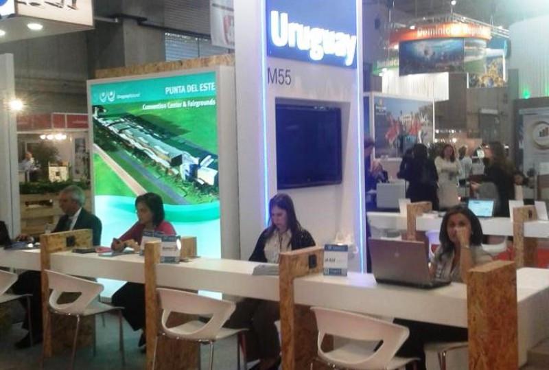 Delegación de Uruguay en la feria EIBTM