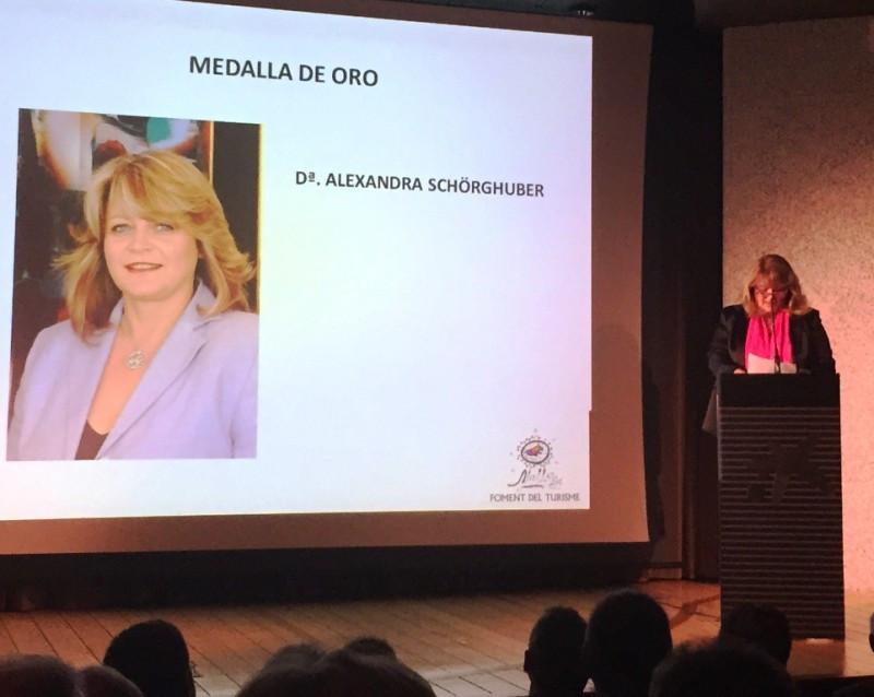 Alexandra Schorghüber recogió el premio.