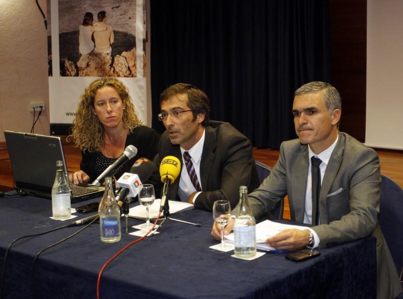 Pedro San Ginés, Héctor Fernández y Lorena Miranda avanzaron las líneas maestras del Plan de Marketing 2015 al sector turístico de Lanzarote.