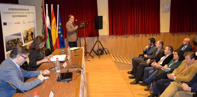 Víctor del Moral presentó el nuevo proyecto en Plasencia.