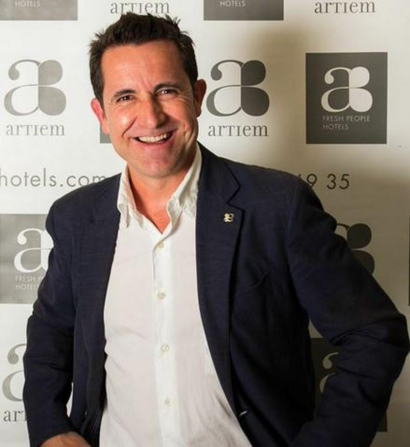 Víctor Mayans es el nuevo director comercial y de Marketing de Artiem Fresh People Hotels. Foto: Carlos Mascaró.