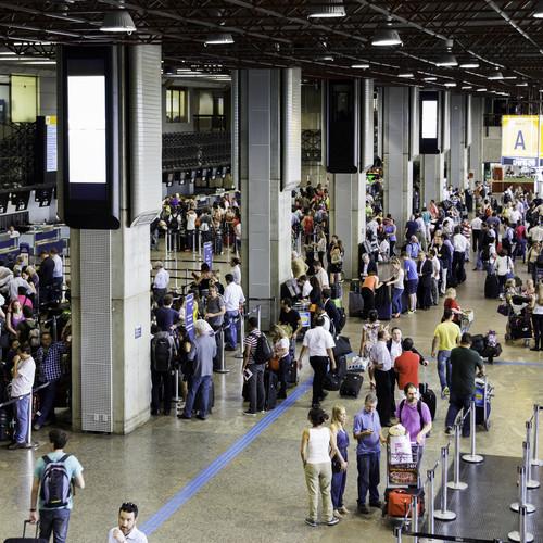 La OMT prevé que 2014 se cerrará con 13 millones de turistas más que un año antes. #shu#