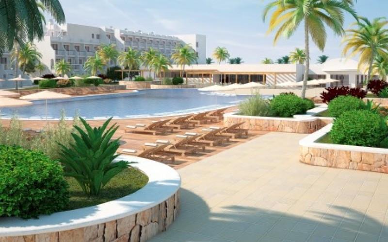 Grand Palladium White Island, nuevo paso de la cadena para renovar Playa d'en Bossa