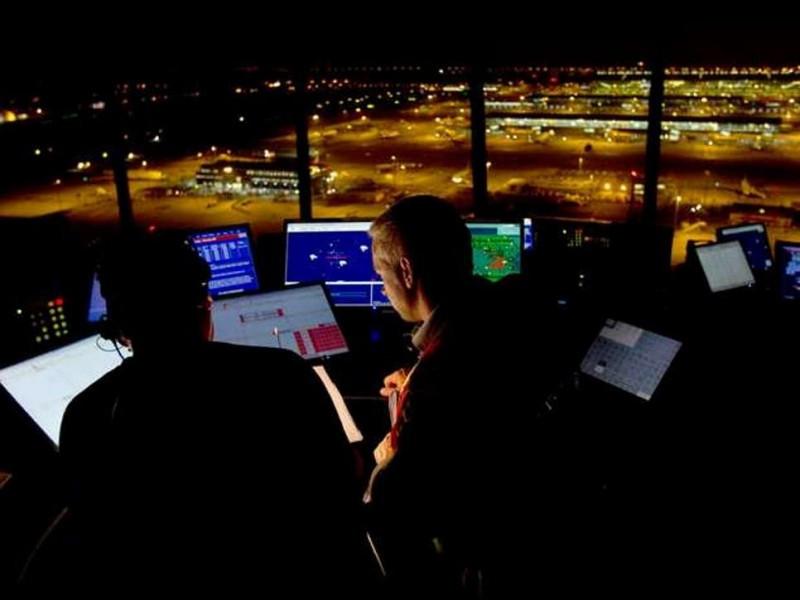 Restricciones de vuelo en el espacio aéreo de Londres por un fallo informático