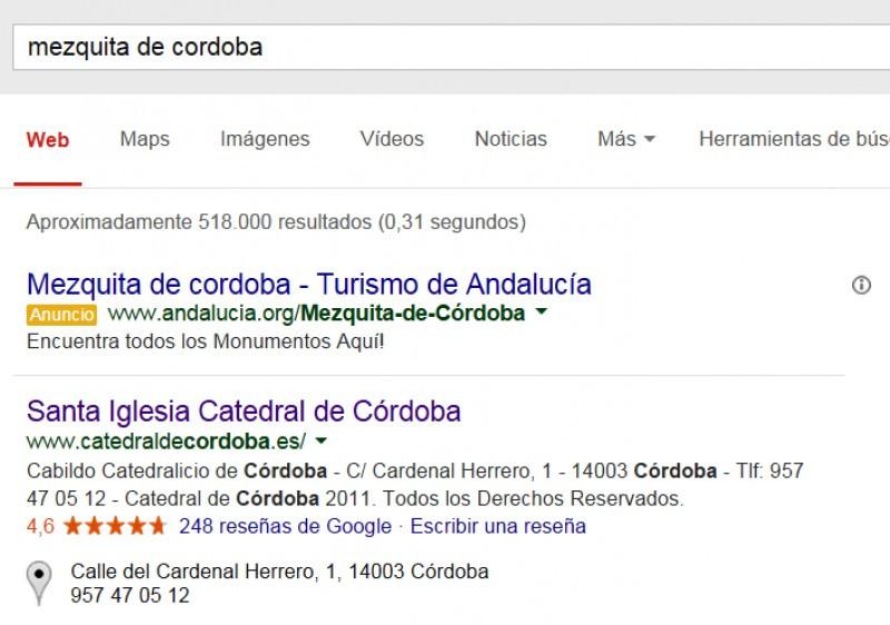 En Google, la búsqueda de 'mezquita de Córdoba' arroja estos dos primeros resultados: un anuncio de la Junta promocionando la mezquita, y la web oficial de la Catedral.
