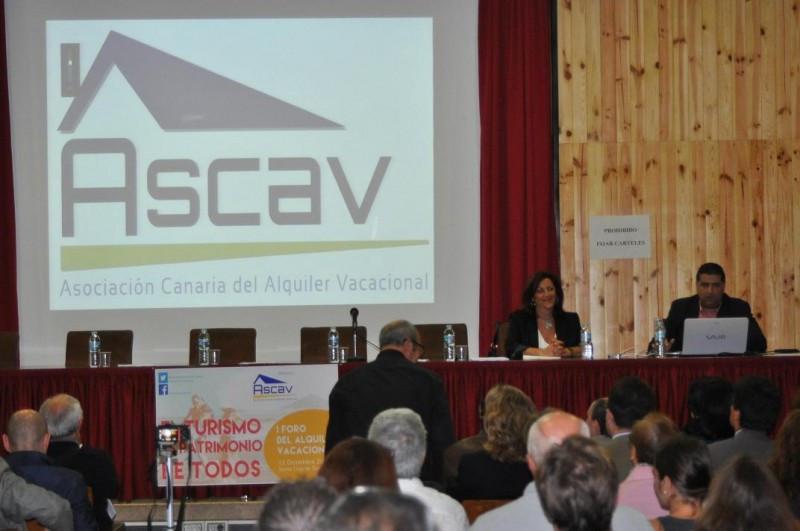 El I Foro del Alquiler Vacacional en Canarias, convocado por ASCAV, ha reunido a más de 200 asistentes.