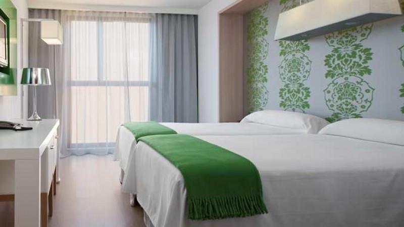 El hotel ha renovado sus 115 habitaciones, de las que seis son suites.