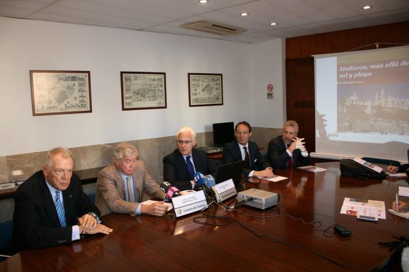 """La Cámara de Comercio de Mallorca presenta el estudio """"Mallorca, más allá del sol y playa"""" elaborado por la consultora PwC."""