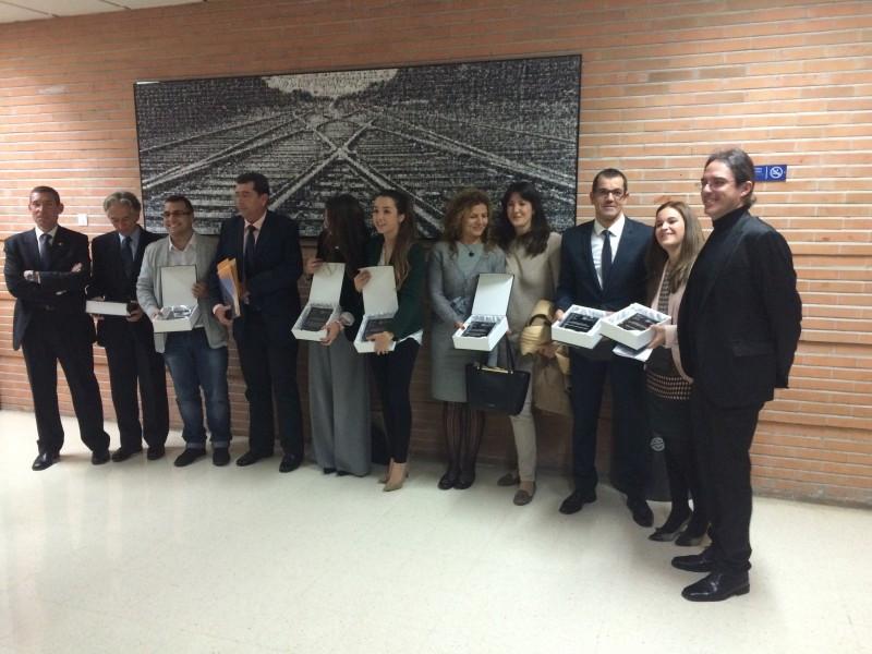 Los premiados al completo. Recogió el reconocimiento a Hosteltur nuestro gerente, Carlos Hernández, tercero por la derecha.