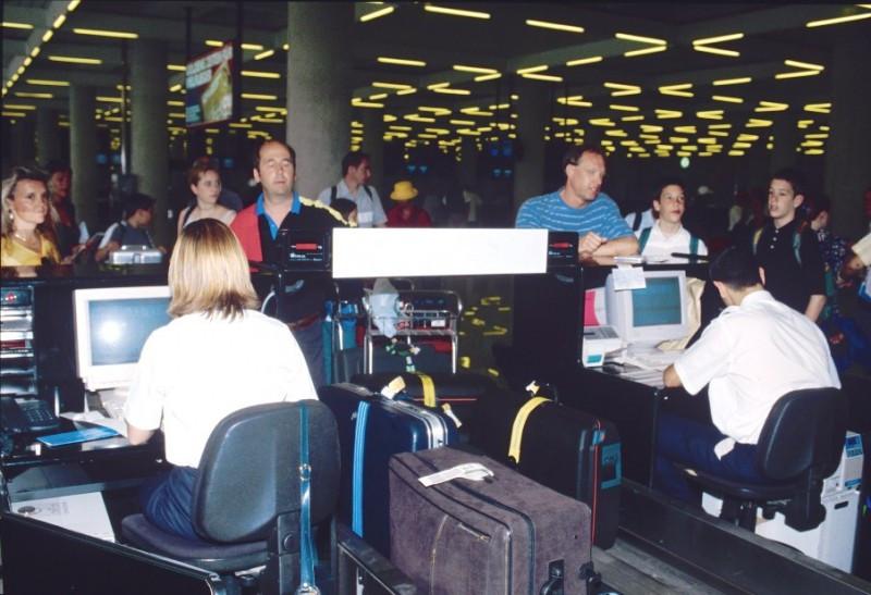 El registro de datos de los pasajeros enfrenta al Ejecutivo y el Parlamento de la UE