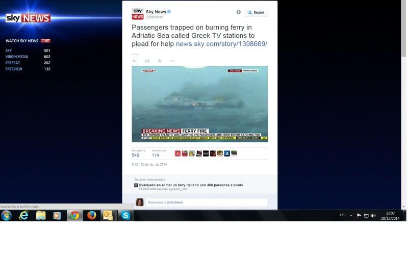 Un ferry incendiado sigue a la deriva en el Adriático