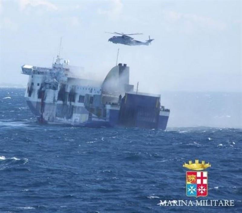 Aumentan a once los fallecidos por el incendio en el ferry Norman Atlantic