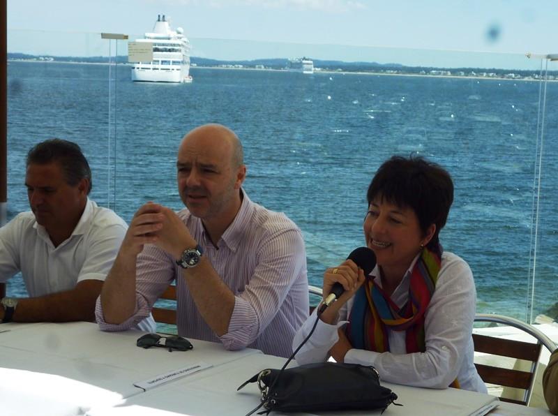 Autoridades en el lanzamiento de la temporada de cruceros de Punta del Este.