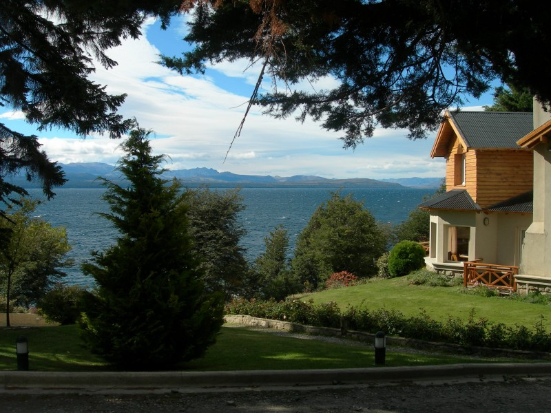 Hoteles y alojamientos de Bariloche podrían tener rebajas impositivas del 40%