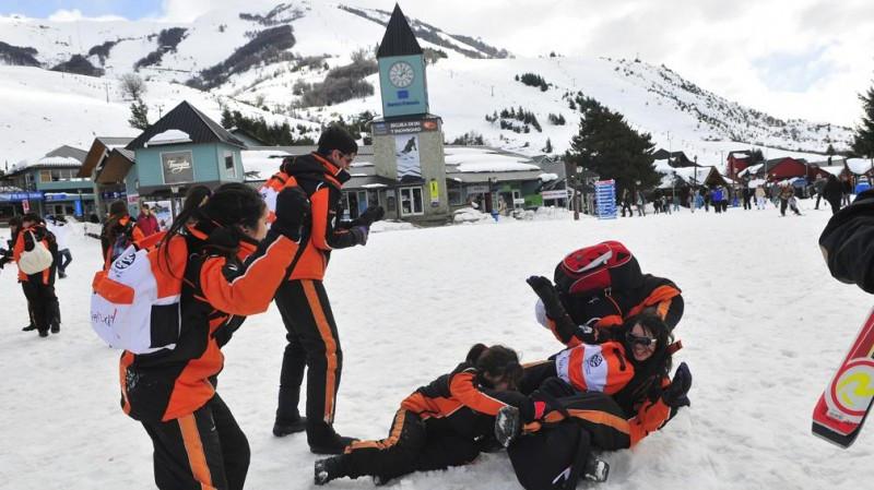 El año pasado cerca de 125.000 jóvenes viajaron a Bariloche por turismo estudiantil.