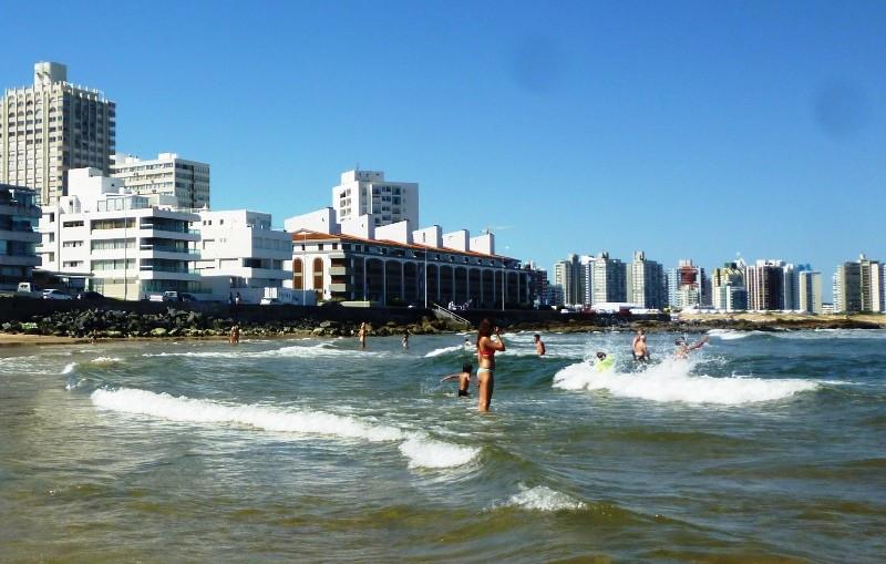 Uruguay espera un verano caluroso y algo lluvioso