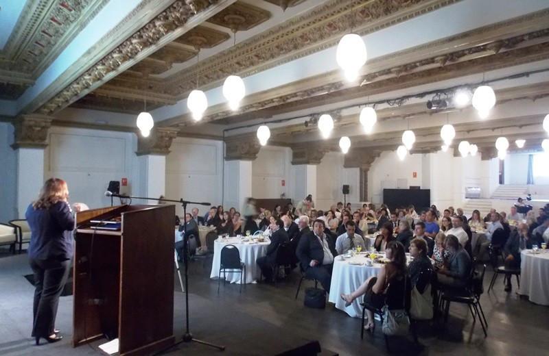 El salón Cervantes del hotel Esplendor fue el escenario de la reunión de fin de año del Conglomerado Montevideo.