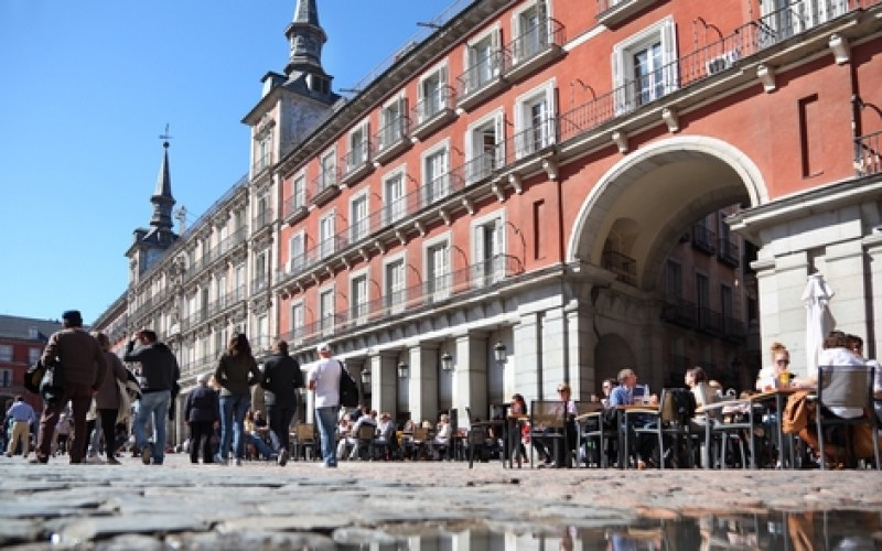 Turistas en la Plaza Mayor de Madrid. #shu#