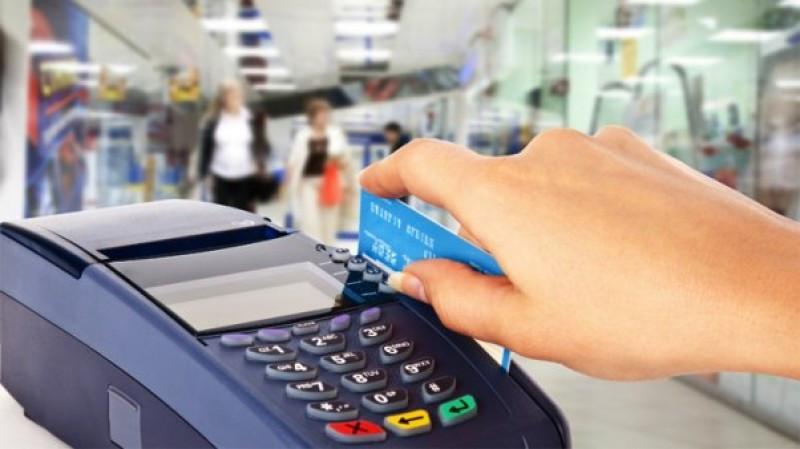 Extienden devolución de hasta el 5% del IVA por pago con débito en Argentina.