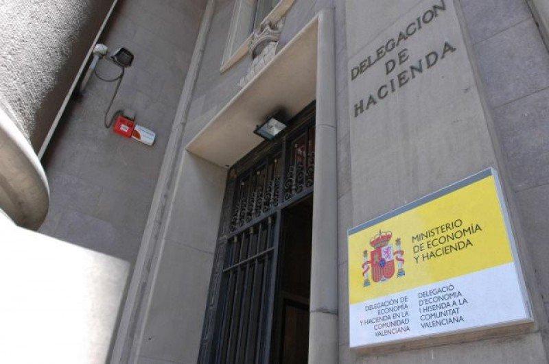 El Gobierno dice que garantizará la competencia en el concurso de la Administración