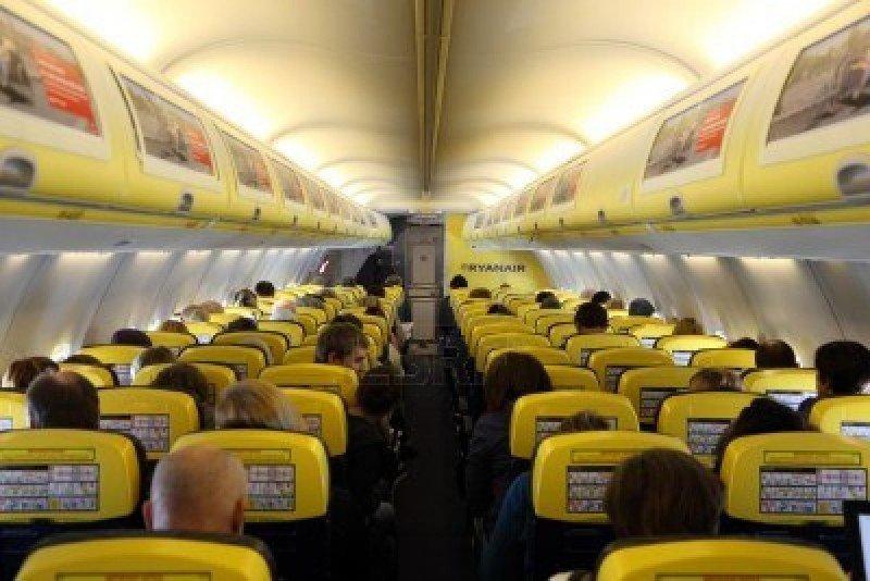 La UE autoriza a Ryanair a bloquear a los comparadores de vuelos