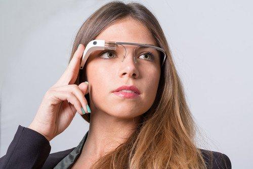 Las gafas inteligentes permiten navegar por internet, grabar vídeo y tomar fotografías. #shu#