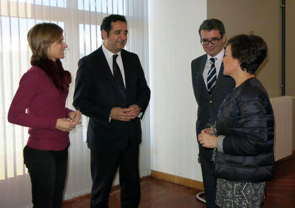 A la reunión  asistieron los  directores de Turismo de Galicia, Asturias, País Vasco y Cantabria, Nava Castro, Julio González, Mertxe Garmendia y Santiago Recio, además de Pascual Sarvisé, de Turespaña.