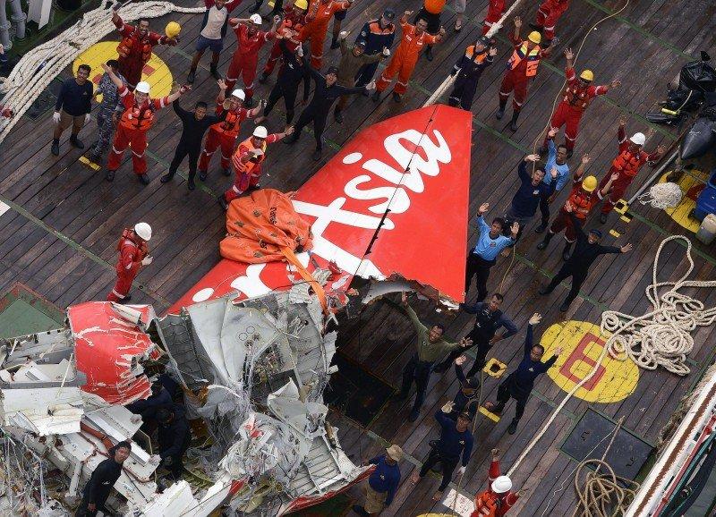 El accidente de Air Asia habría siso causado por la abrupta maniobra de ascenso del avión