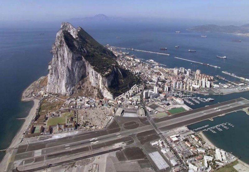 Gibraltar presiona por su inclusión en el Cielo Único Europeo, bloqueada por España