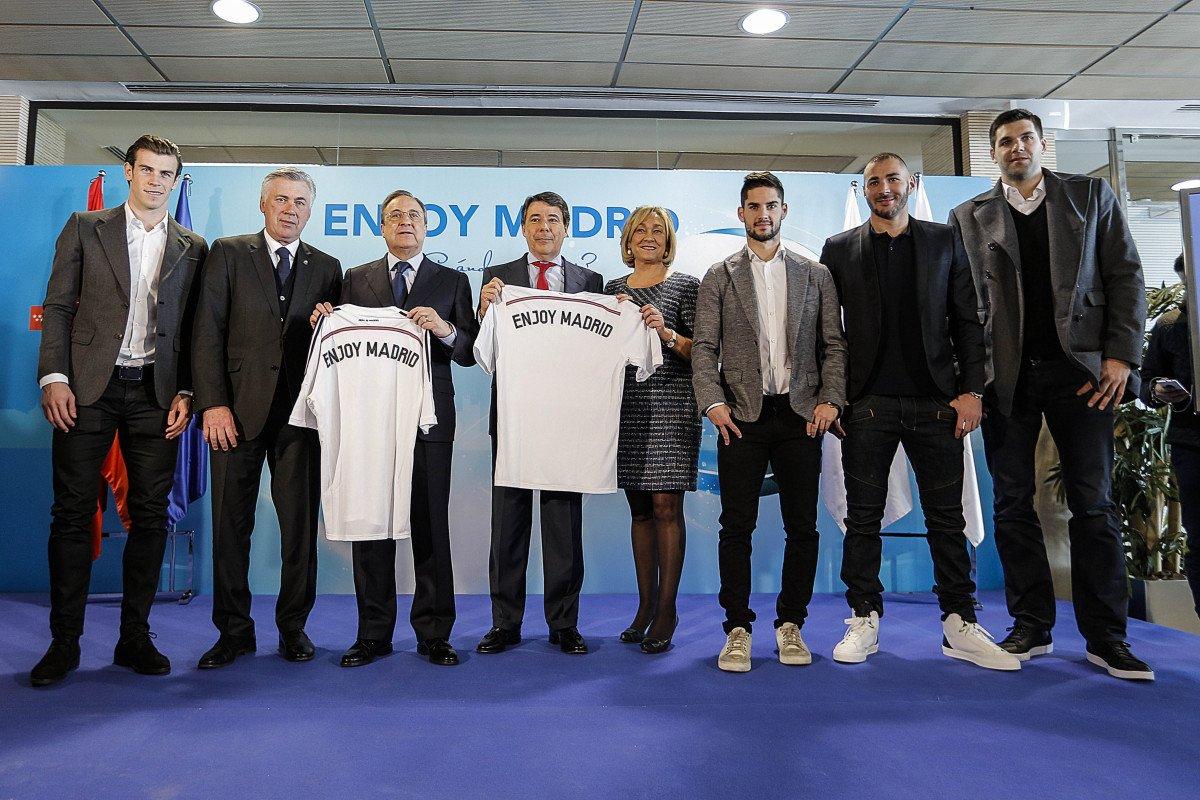 En el acto participaron Florentino Pérez, Ignacio González, Ana Isabel Mariño, Carlo Ancelotti, Gareth Bale, Karim Benzema, Isco Alarcón y Felipe Reyes.