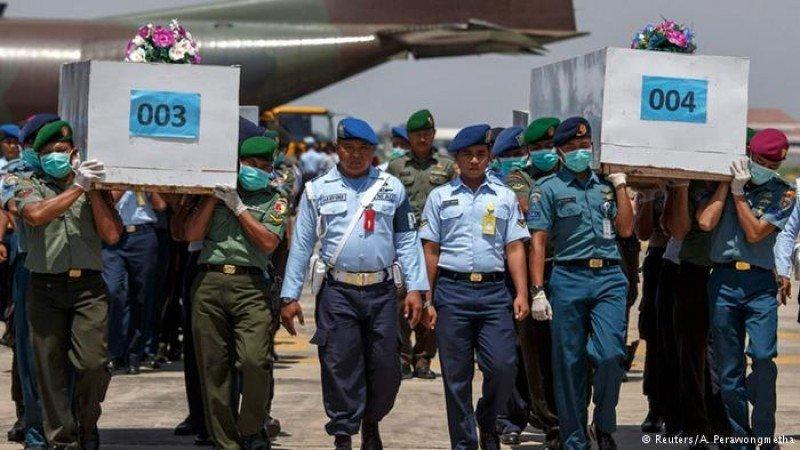 De momento han sido rescatados 34 cadáveres de los pasajeros del vuelo siniestrado. Foto: Reuters.