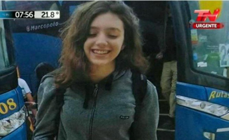 Lola Chomnalez a su llegada a Valizas. Foto familiar divulgada por el canal argentino TN