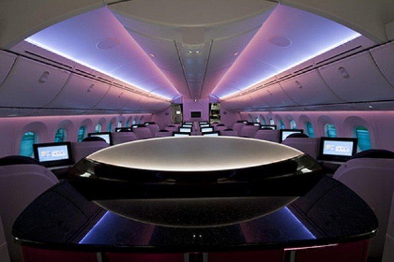 Cabina del nuevo modelo de avión que Qatar Airrways integra a su flota.