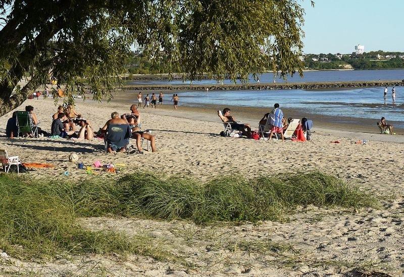 Las playas de Colonia complementan las opciones de ocio en verano.