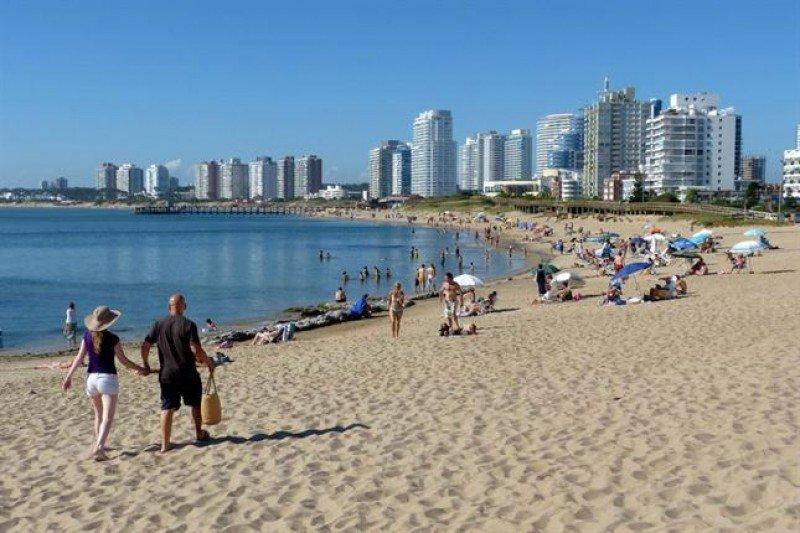 Uruguay: los alquileres de temporada bajarán hasta 28% en febrero. (Foto: Puntapress)