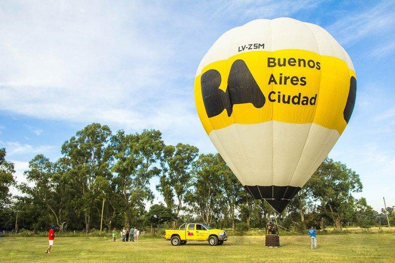 Buenos Aires se promociona en globo aerostático por Argentina.