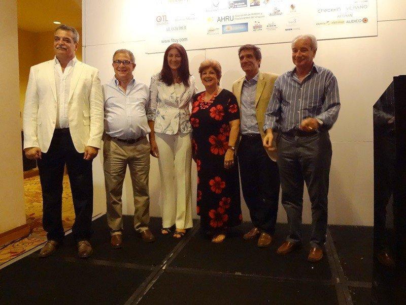 Organizadores y autoridades en la apertura de Fituy 2015 en Punta del Este.