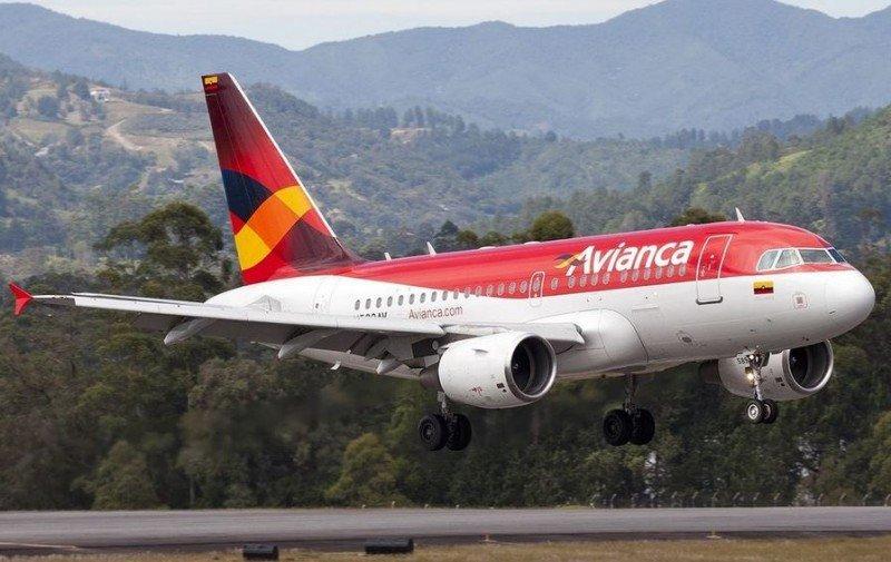 Avianca despide 60 empleados entre pilotos y tripulantes de cabina