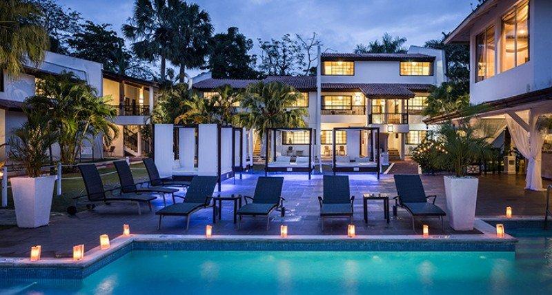 BlueBay Villas Doradas.