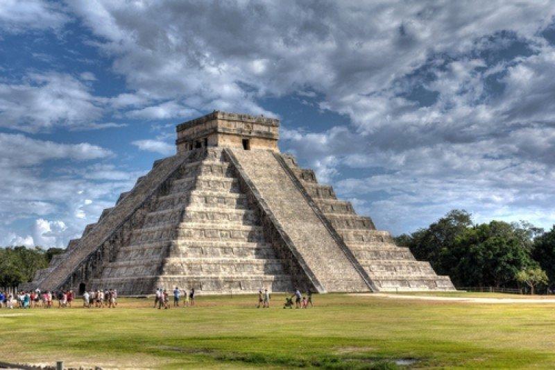 Pirámide maya en Chichén Itzá, en la península del Yucatán. #shu#