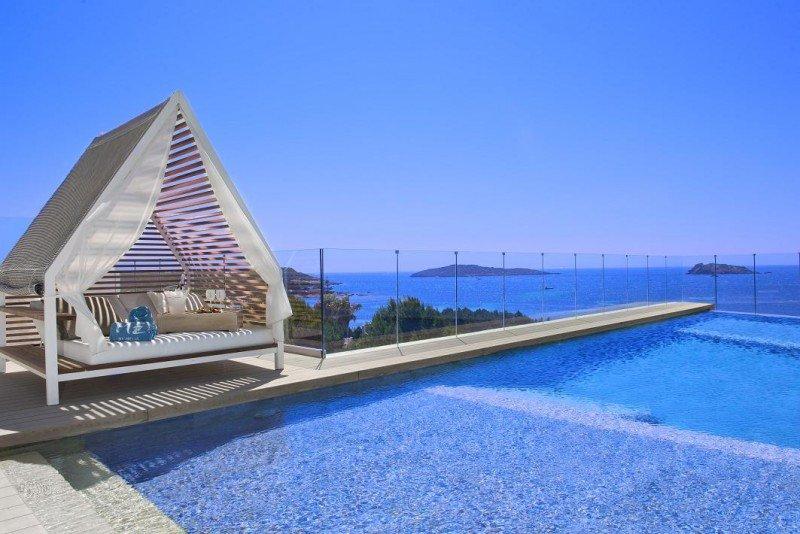 El ME Ibiza también acaba de recibir el premio a la 'Mejor renovación de hotel' en los International Hotel Awards celebrados la pasada semana en Londres.
