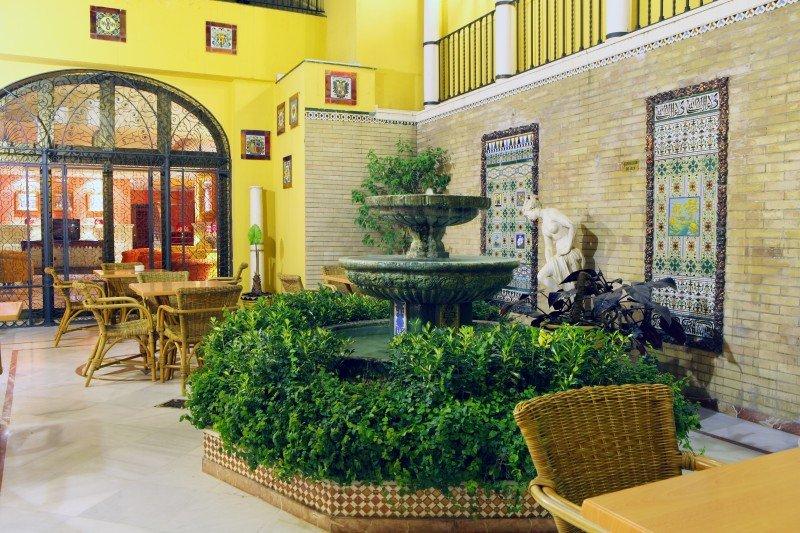 H10 compra el Hotel Corregidor de Sevilla