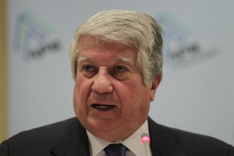 Arturo Fernández.