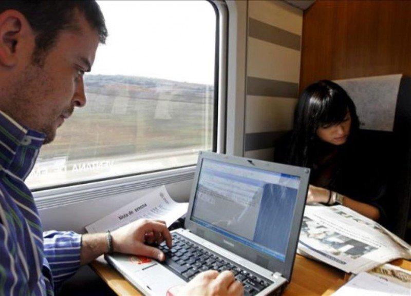 Renfe se anota al wifi (Foto Que).