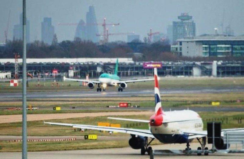 IAG ofrece operar los slots de Aer Lingus en Heathrow en rutas con Irlanda